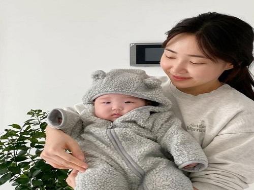 """최희, 딸애 대한 사랑전해…팬들 """"축복이다"""""""