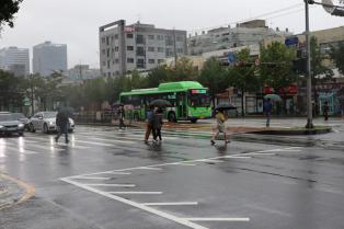 [4일 날씨] 목요일, 전국이 포근하다…곳곳 '비'